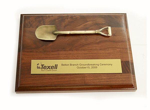 8 Inch Wood Plaque with Shovel